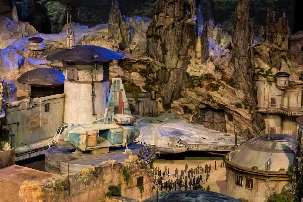 disney-reveals-incredibly-cool-full-star-wars-land-model-at-d23-expo4.jpeg