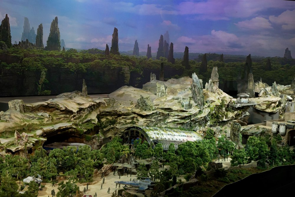 disney-reveals-incredibly-cool-full-star-wars-land-model-at-d23-expo8.jpeg