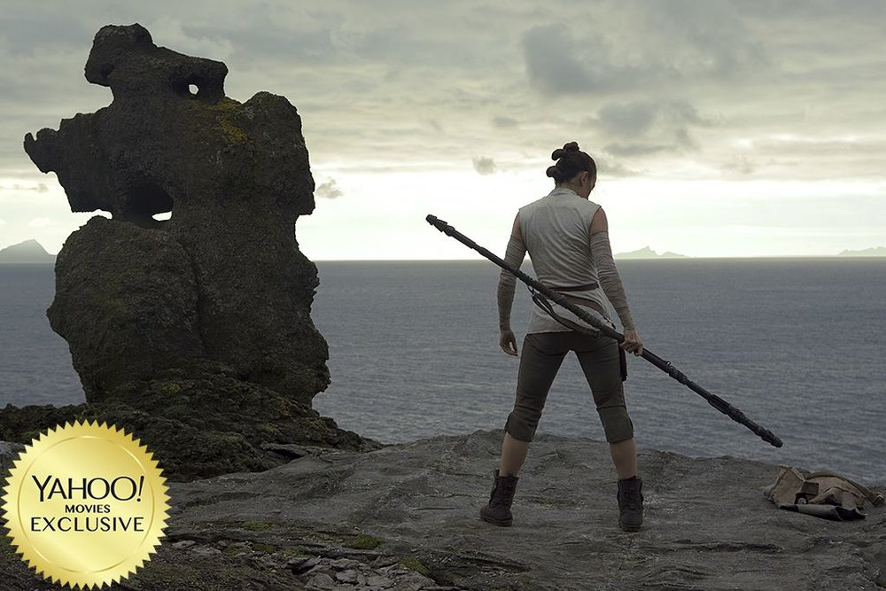 rey-is-in-the-middle-of-training-on-ahch-to-in-new-photo-from-star-wars-the-last-jedi1