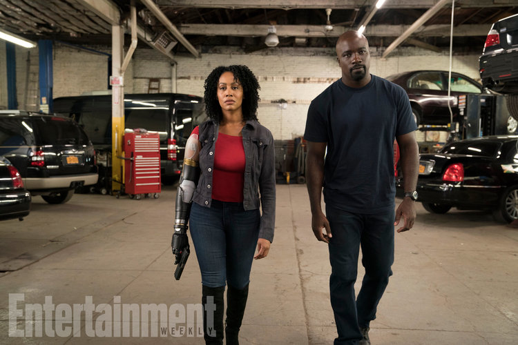 first-luke-cage-season-2-photo-features-misty-knight-and-new-bionic-arm4