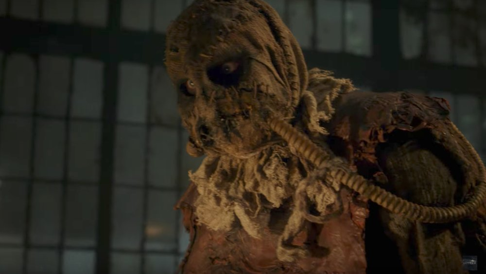 the-gotham-season-4-dark-band-trailer-focuses-on-the-scarecrow-and-the-rise-of-the-dark-knight-social.jpg