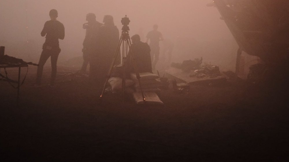 new-han-solo-photos-from-ron-howard-tease-desperate-and-dangerous-times-social.jpg