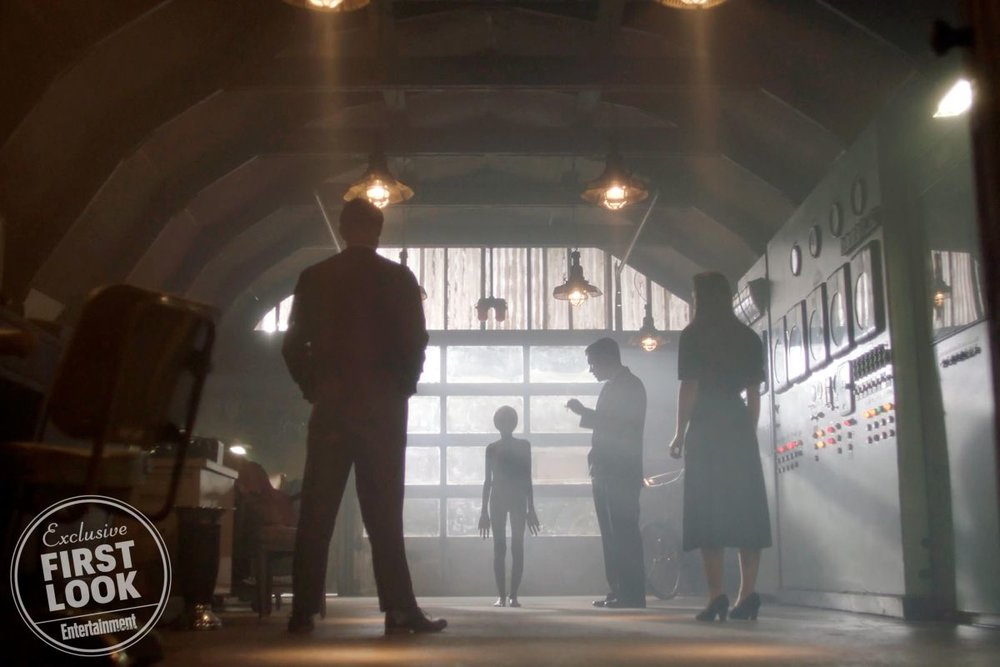 here-are-the-first-photos-from-the-x-files-season-11-and-things-dont-look-good2