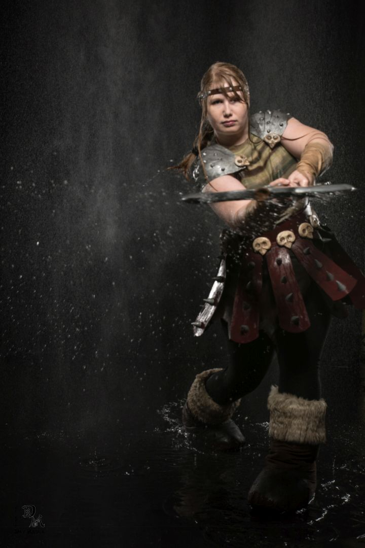 This how to train your dragon astrid cosplay slays geektyrant 1g ccuart Image collections