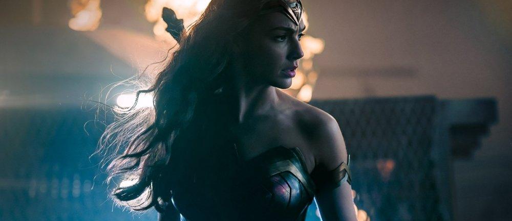wonder-woman-justice-league-do-2880x1800-1200x520.jpg