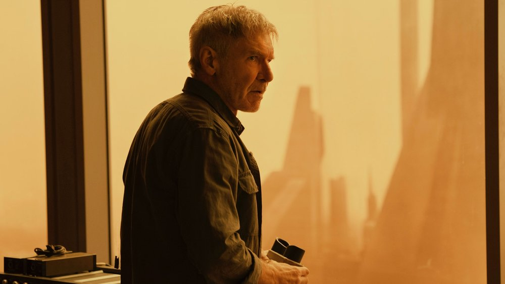 blade-runner-2049-director-denis-villeneuve-got-annoyed-with-ridley-scott-being-on-set-one-day-and-made-him-leave-social.jpg