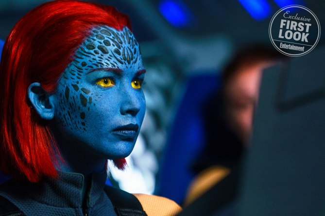 cool-new-photos-for-x-men-dark-phoenix-include-first-look-at-jessica-chastain-as-the-villain2