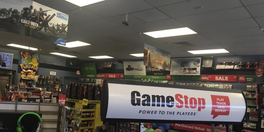 GameStop_Store_Front.jpeg