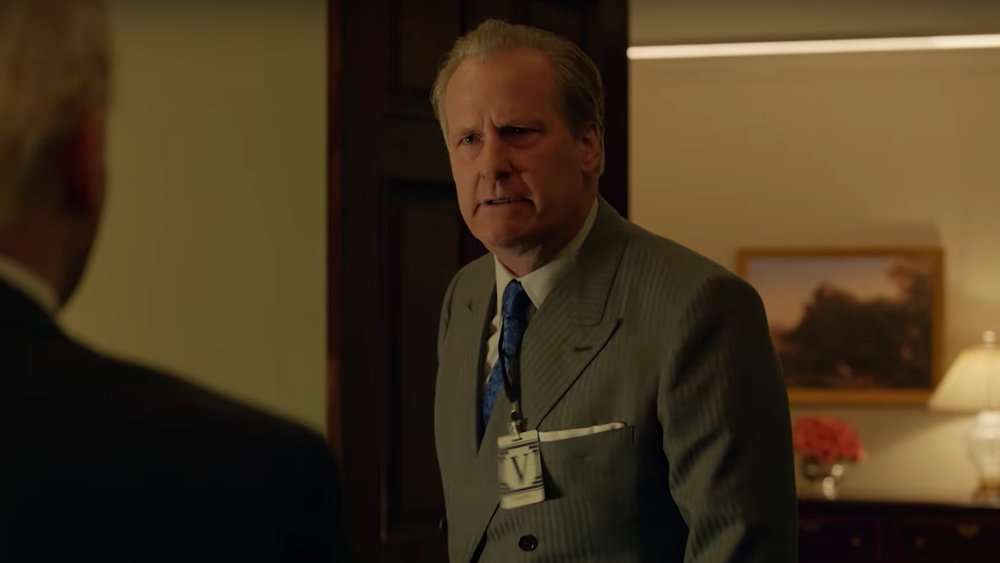 fascinating-first-look-promo-for-hulus-counter-terrorism-series-looming-tower-with-jeff-daniels-social.jpg