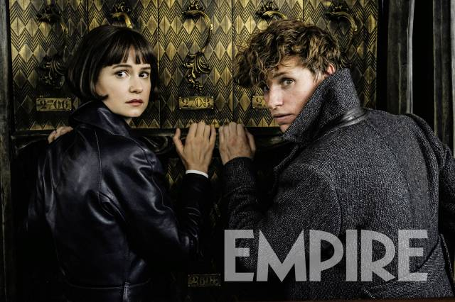 two-new-photos-from-fantastic-beasts-the-crimes-of-grindelwald-feature-newt-tina-and-gellert-grindelwald34