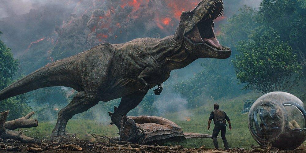 Jurassic-World-Fallen-Kingdom-Volcano-and-T-Rex.jpg