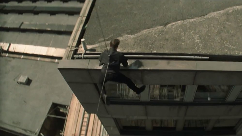 watch-tom-cruise-break-his-foot-filming-mission-impossible-6-social.jpg