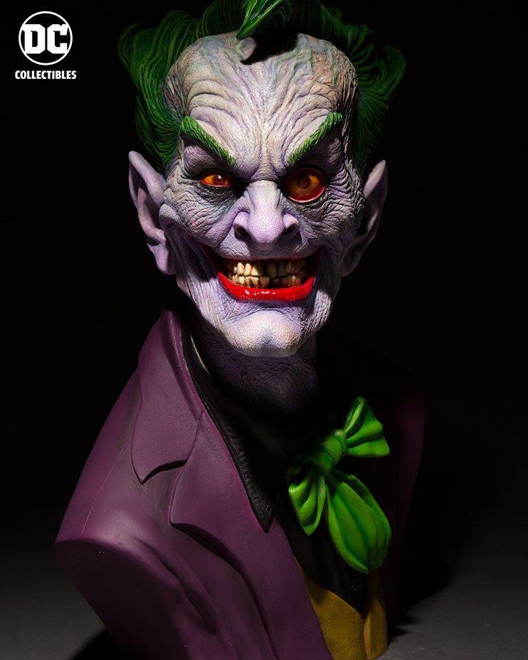 legendary-makeup-effects-artist-rick-baker-designed-this-horrifying-joker-bust1