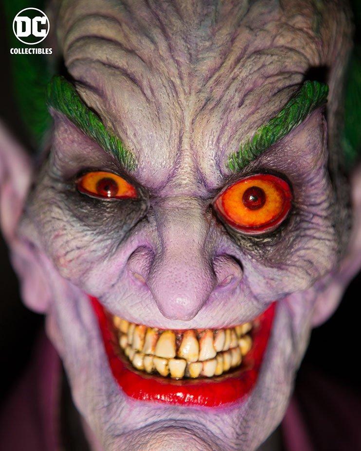 legendary-makeup-effects-artist-rick-baker-designed-this-horrifying-joker-bust2