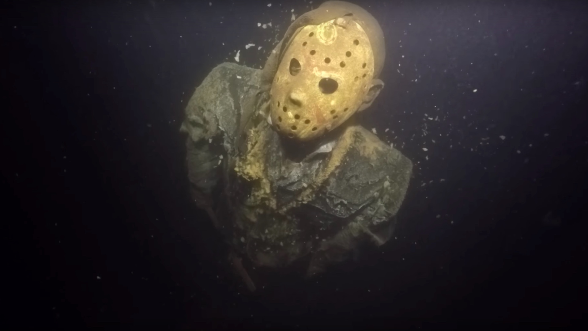 Fan Puts A Jason Voorhees Statue At The Bottom Of Minnesota Lake For