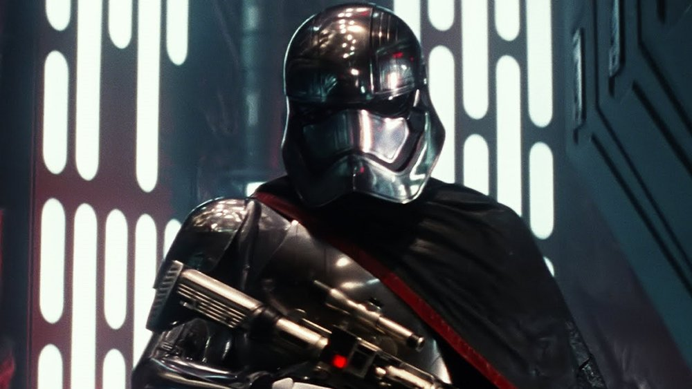 watch-phasma-get-cold-cocked-by-finn-in-this-clip-from-star-wars-the-last-jedi-social.jpg