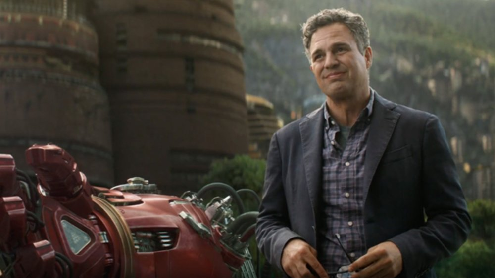 mark-ruffalo-explains-that-avengers-infinity-war-is-so-different-from-the-comic-books-social.jpg