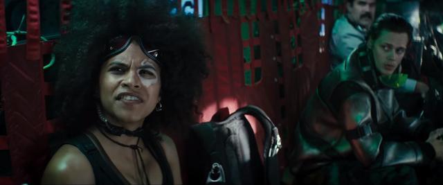 the-new-deadpool-2-trailer-reveals-new-mutants-and-cast-members-including-it-star-bill-skarsgard3