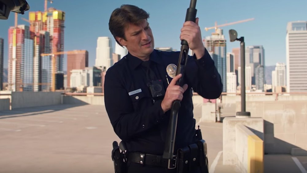 nathan-fillion-plays-a-rookie-lapd-officer-in-the-first-teaser-trailer-for-the-rookie-social.jpg
