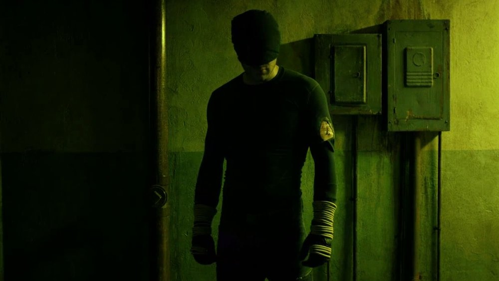 set-photos-from-daredevil-season-3-surface-showing-daredevil-in-his-old-costume-social.jpg
