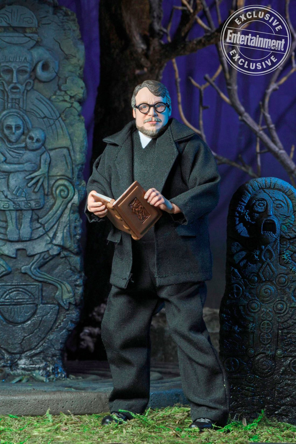 director-guillermo-del-toro-gets-his-very-own-action-figure3