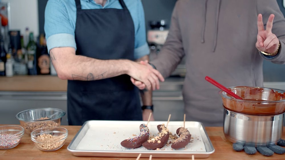 learn-how-to-make-frozen-chocolate-bananas-corn-balls-and-more-treats-from-arrested-development-social.jpg
