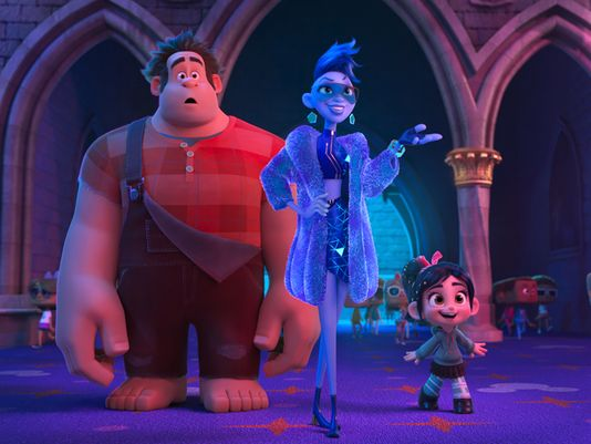 new-wreck-it-ralph-2-photos-offer-a-first-look-at-the-disney-princesses-and-new-details-on-alan-tudyks-character2