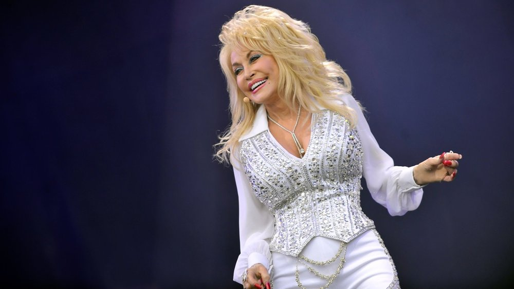 theres-a-dolly-parton-anthology-series-being-produced-by-netflix-social.jpg