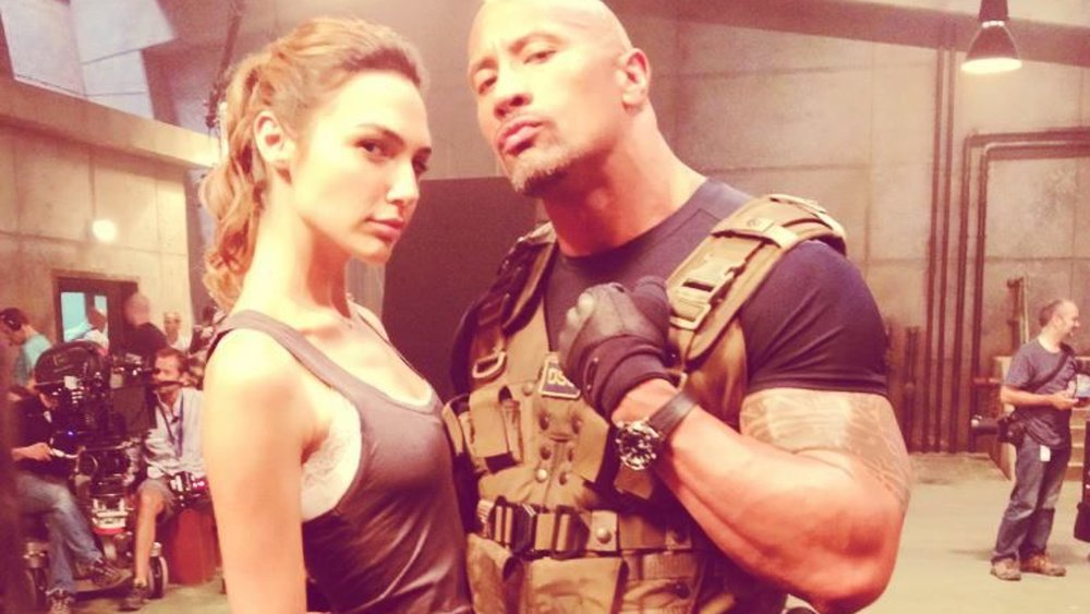 gal-godot-joins-dwayne-johnson-in-the-action-comedy-red-notice-social.jpg