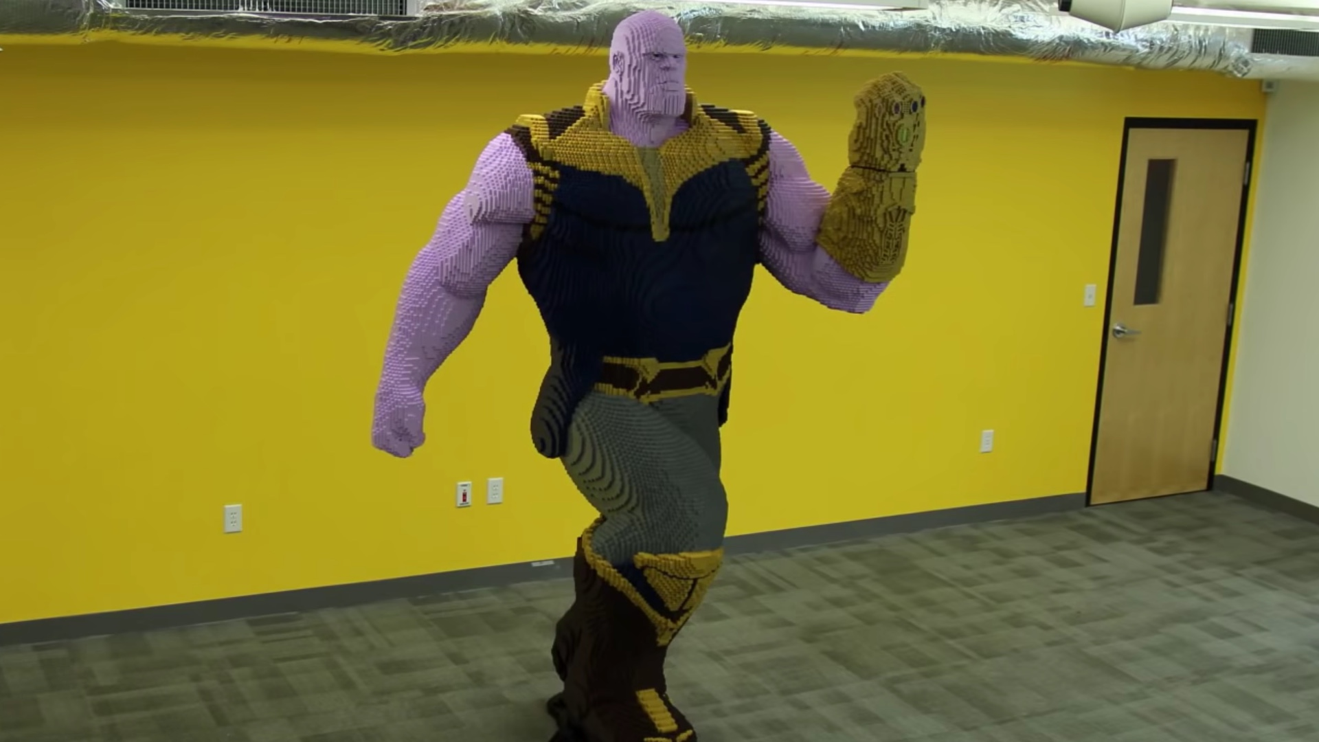 Check Out This Time Lapse Of This Mind Blowing Thanos Lego Statue