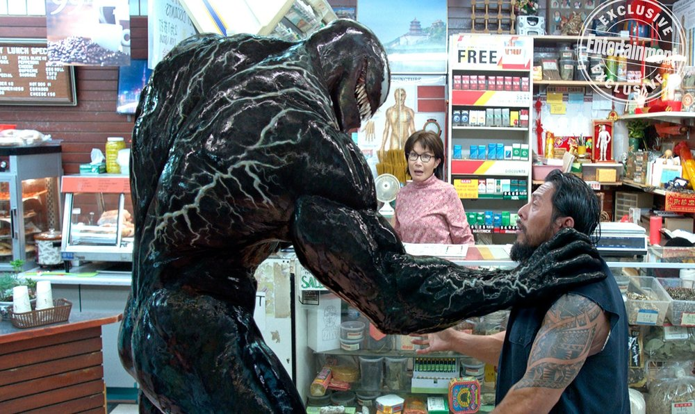 venom-is-ready-to-bite-someones-head-off-in-this-new-image-from-the-film12
