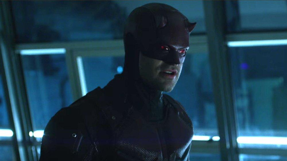 DAREDEVIL Season 3 Image Shows Matt Murdock Stalking a Daredevil Impostor