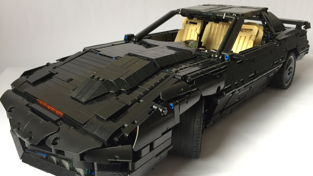 the-classic-knight-rider-car-kitt-gets-an-awesome-lego-build-social.jpg