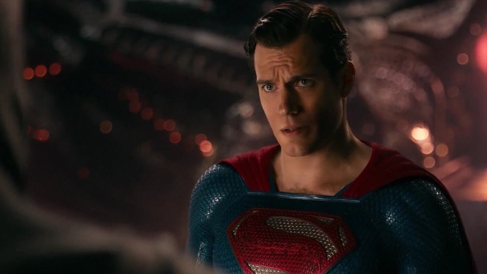 henry-cavill-responds-to-those-superman-reports-in-with-a-bizarre-video-social.jpg