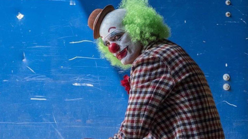 joaquin-phoenix-sheds-tears-of-a-clown-in-this-new-joker-set-video-social.jpg