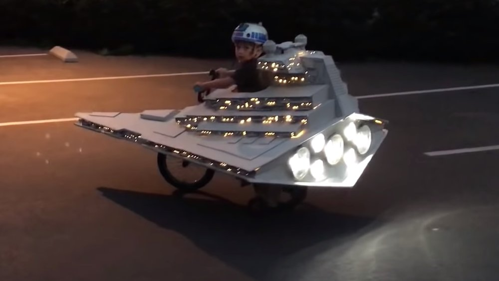 this-dad-transformed-his-sons-bike-into-a-star-destroyer-for-halloween-social.jpg