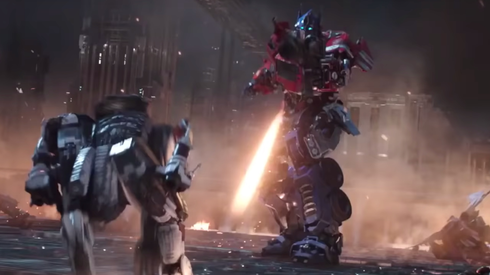 New Bumblebee Extended Spot Shows More Optimus Prime Action And