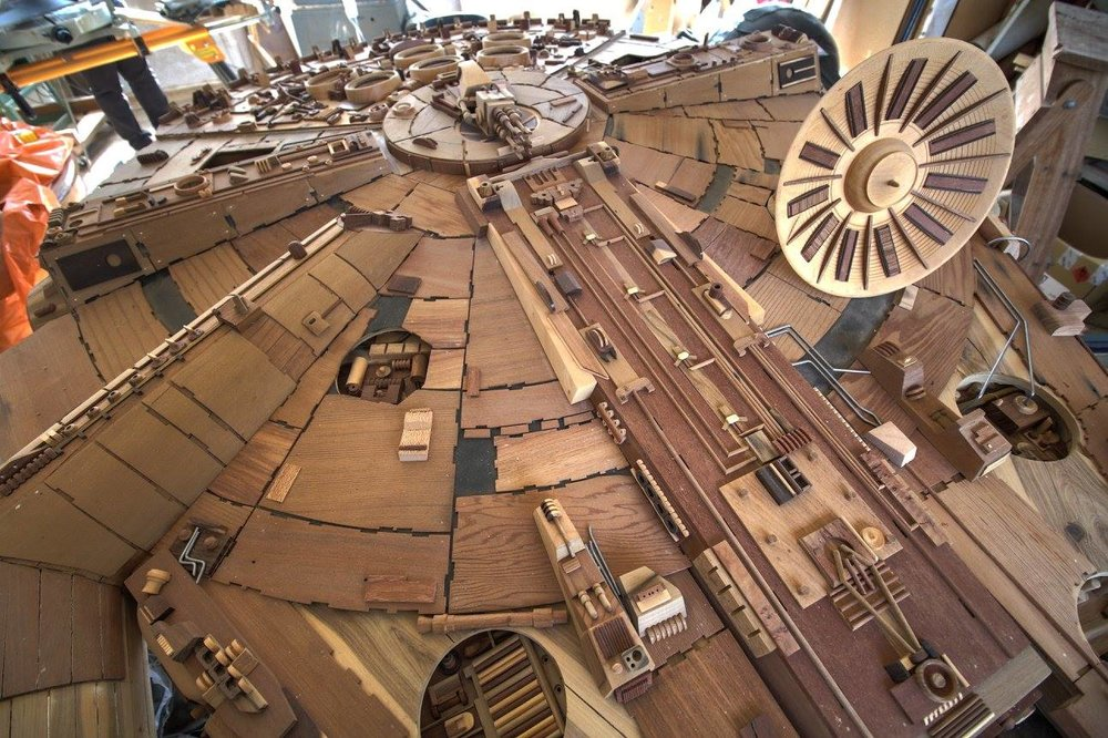 Millenium-Falke-Holz-Martin-Creaney-3.jpg