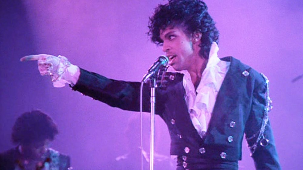 the-music-of-prince-will-be-the-inspiration-for-an-original-musical-film-being-developed-at-universal-social.jpg
