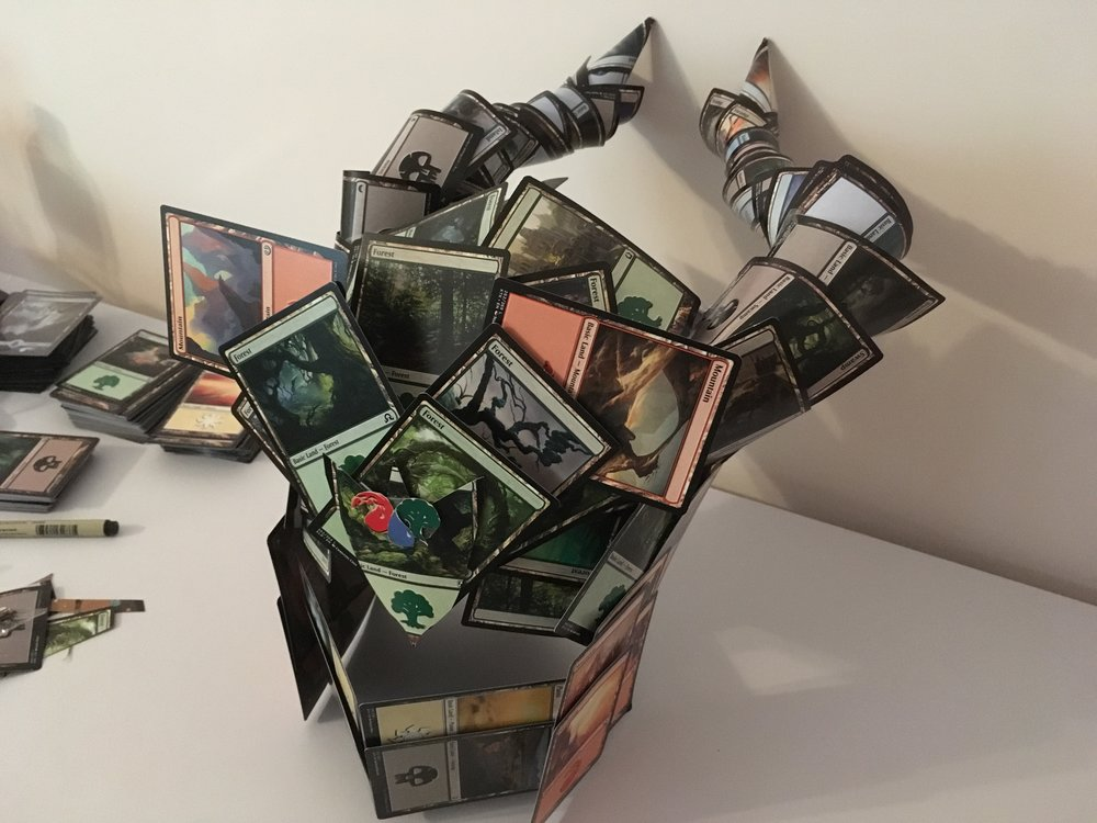 creative-geek-makes-magic-the-gathering-armor-out-of-magic-the-gathering-cards5.jpg