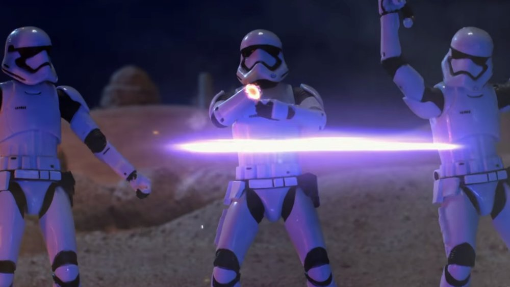 hilarious-robot-chicken-comedy-sketch-pokes-fun-at-star-wars-the-force-awakens-social.jpg