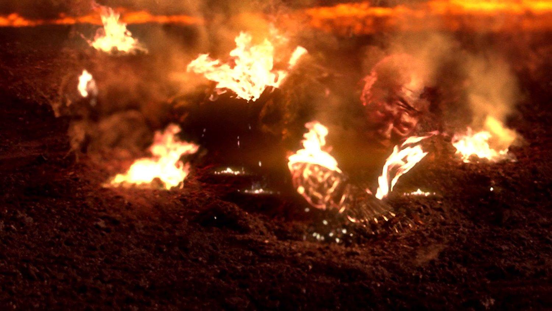 Behind The Scenes Star Wars Photo Of Hayden Christensen As A Brutal Burned Anakin Skywalker In Revenge Of The Sith Geektyrant