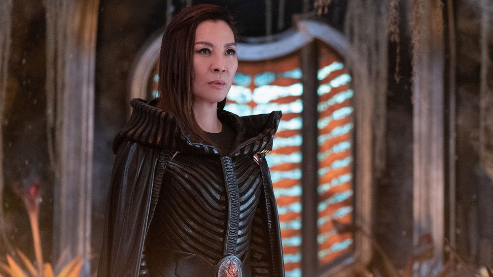 michelle-yeoh-was-cast-in-james-camerons-avatar-sequels-social.jpg
