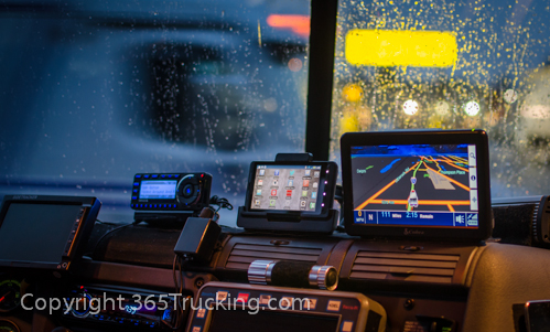 Truck_Dash_Electronics_GPS_Night_011414-22.jpg