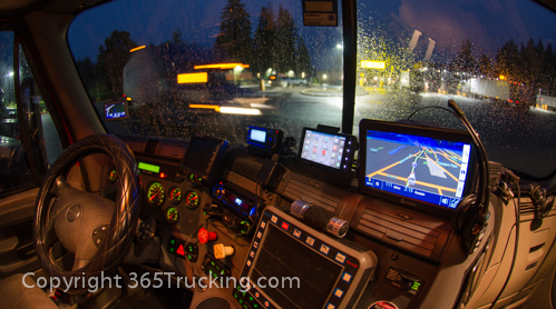 Truck_Dash_Electronics_GPS_Night_011414-107.jpg