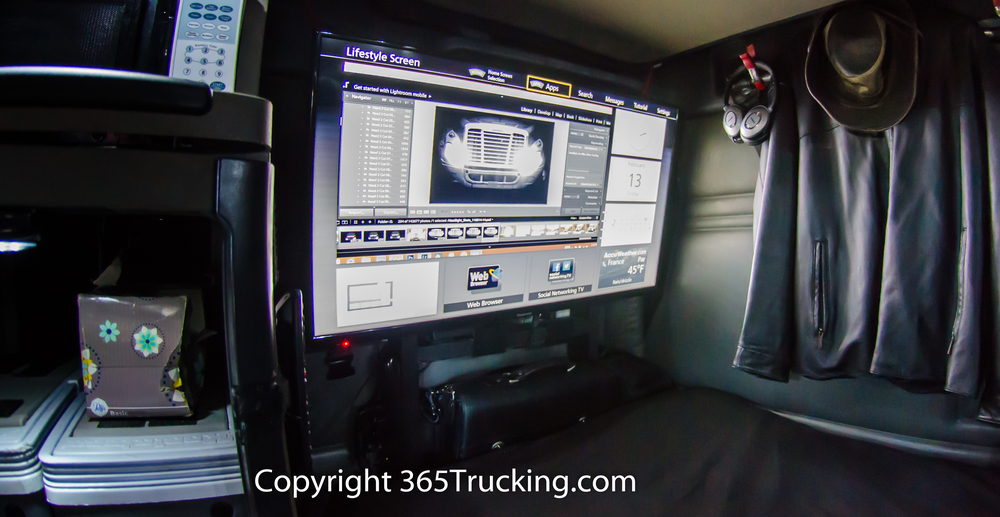 "2015 Freightliner Cascadia >> Mount Up To A 40"" Flat Panel TV In Your Truck — 365Trucking.com"