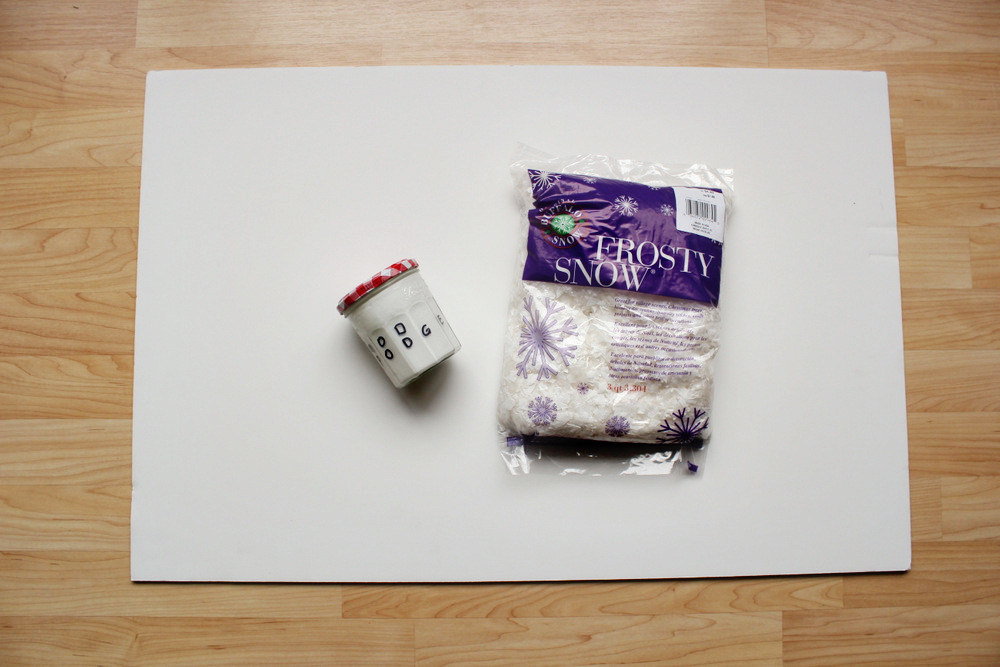 diy snowy photo backdrop 1.jpg