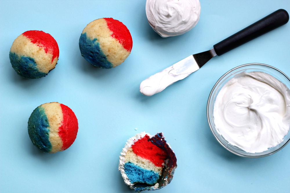 fourth of july cupcakes.JPG