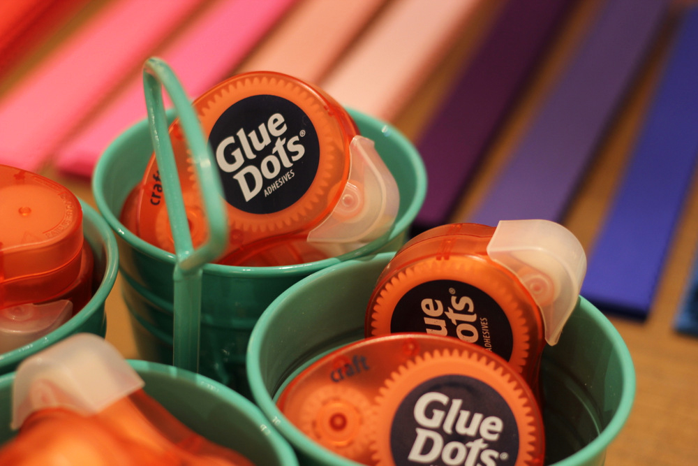 glue dots and chain garland.JPG
