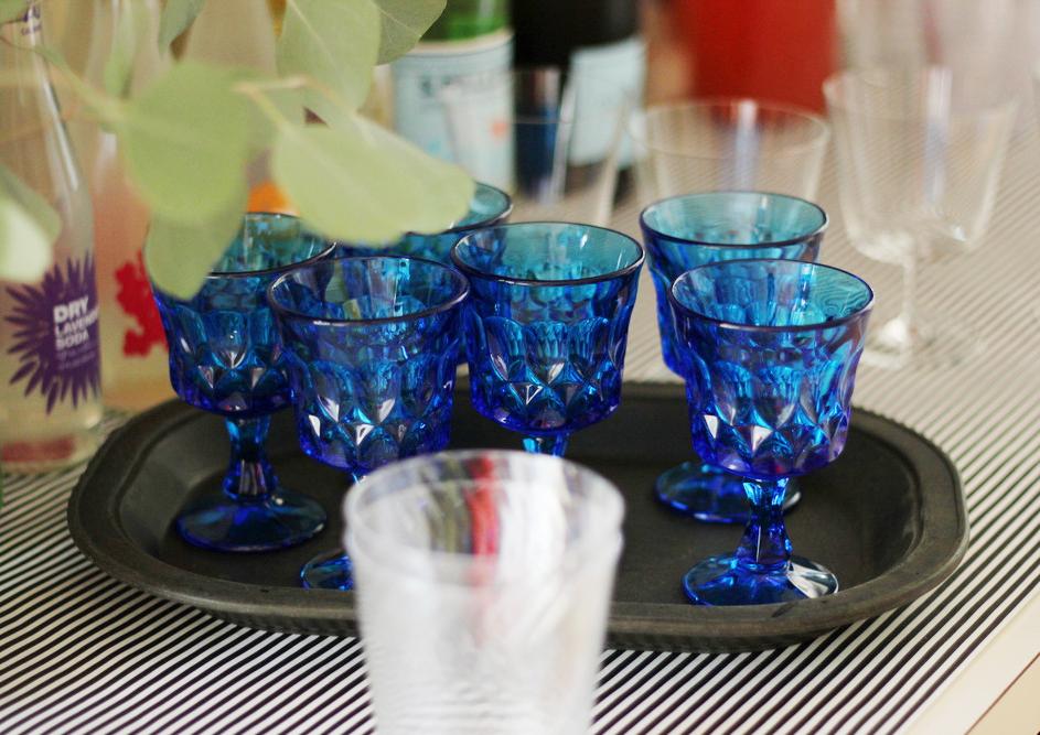crafting party beverage bar.JPG